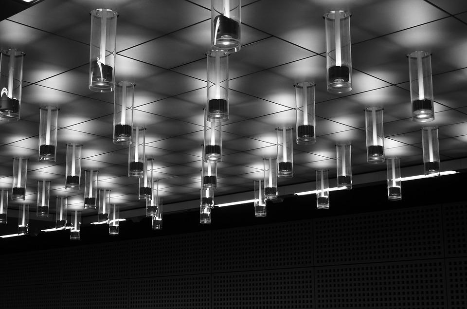 Aumentare l'illuminazione di una casa senza luce