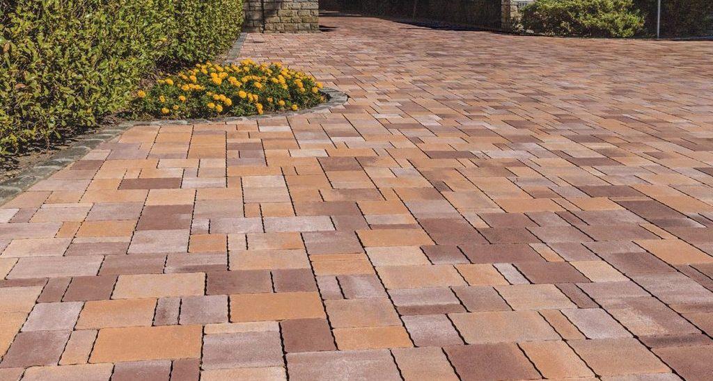 Pavimentazione esterna color mattone cotto